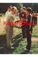 A19 Erich Mielke DDR Dynamo Berlin Sportlerehrung Foto 20x30 cm