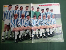 HUDDERSFIELD TOWN FOOTBALL TEAM - MAGAZINE CENTREFOLD PICTURE/POSTER