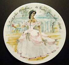 Women Of The Century COLLECTIBLE PLATES in Original Box NINE DIFFERENT PLATES