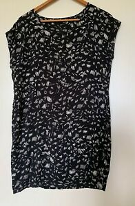 Nyne black/cream rayon sort shift dress 8