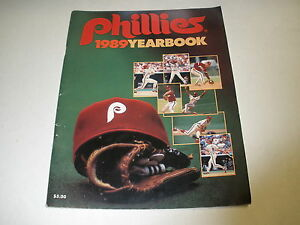 PHILADELPHIA PHILLIES 1989 OFFICIAL YEARBOOK -VERY GOOD
