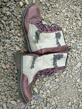 DR MARTENS BOOTS WITH BOUNCING SOLES SIZE 7