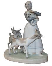 Lladro , 1001 Shepherdess w/Goats (ln)
