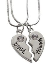 2 colliers, pendentif coeur a séparer Best friends, pierre blanche.