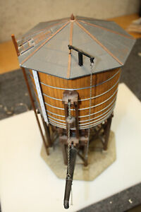 POLA LGB # 923 WATER TOWER FULLY ASSEMBLED AND FULLY OPERATIONAL