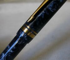 BEAU STYLO PLUME PARKER DUOFOLD BLEU MARBRE & OR - PLUME EN OR MASSIF 18 CARATS