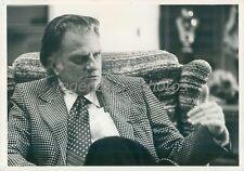 1975 Evangelist Billy Graham Speaks in Chair Original News Service Photo
