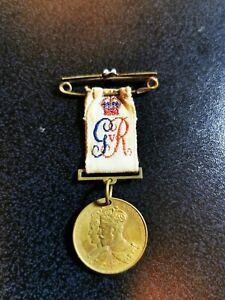 Small Coronation Medal + ribbon King George V 1911 Presented by Mayor of Norwich