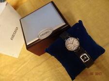 Seiko nicht wasserbeständige Armbanduhren mit 12-Stunden-Zifferblatt