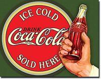 Coca Cola Flasche in Hand Metall Schild 400mm x 305mm (De)