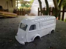 CIJ FRANCE 50 RENAULT 1000 kg carrosserie jamais peinte à restaurer, voir photos