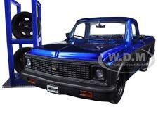 1972 CHEVROLET CHEYENNE BLUE/GREY TRUCK W/EXTRA WHEELS 1/24 MODEL JADA 97685