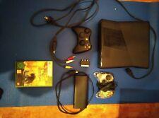 XBox 360 mit Controllern und Spiel ohne Kinect