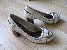 Ladies Nine West Shoes, Cream/Nude With Wooden Heel Size 3
