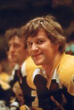 BOBBY ORR Unsigned 8x10 Photo Boston Bruins (B)