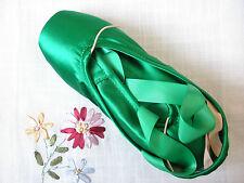 High quality intermediate/advanced level green satin ballet dance pointe shoes