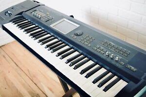 Korg Triton Extreme 61 key piano keyboard synthesizer good condition-synth