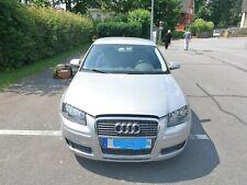 Audi A3 1,6 FSI  mit 101000 km Benzin, Klima  115 PS silbergrau Klima