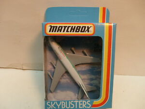1981 MATCHBOX SKY-BUSTERS SB-10 BOEING 747 CATHAY PACIFIC NEW IN BOX