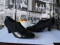 Paul Green Women's Nice Bootie Ankle Boot, Black Leather, Size US 8, msrp $289