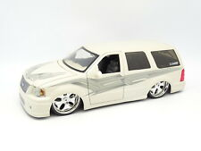 Jada SB 1/18 - Ford Explorer Custom 2008 Tuning