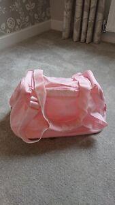 Girls Reebok Baby Pink Sports Gym Holdall Bag Used