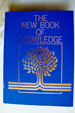 The New Book of Knowledge 1999 Science Annual (Hardcover)