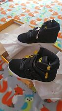 NEW RADII STRAIGHT JACKET SNEAKER SHOES KIDS BOYS BLACK YELLOW NUBUCK  SZ 3 US