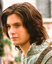 Ben Barnes UNSIGNED photo - E1292 - The Chronicles of Narnia