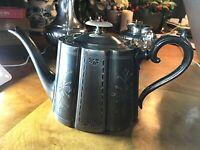 ♛ England,Viktorianische Teekanne, versilbert, Blütenform, Daniel&Arter,verziert