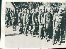1940 World War II Group of Italian Prisoners Original Wirephoto