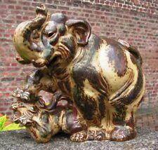 figurine ours terrassant un lion en grès de la Manufacture Royale de Copenhague