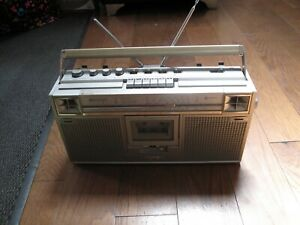 Vintage JVC 4 Band FM AM Radio Cassette Player BOOMBOX Retro 1980s RC-656LB |