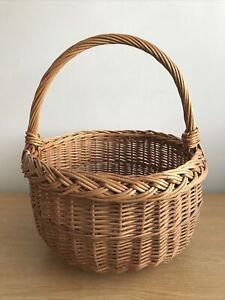 Vintage Round Wicker Shopping Basket.