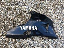 UN SABOT CARENAGE CACHE DROIT POUR MOTO YAMAHA 1000 R1 2001 TYPE 5JJ