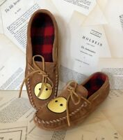 NEW Minnetonka brown Suede Happy Face Moccasin 9