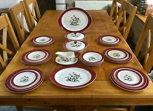 Wedgwood Dinner Service For Six Persons Mayfield Ruby Excellent Condition