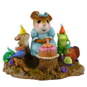 Wee Forest Folk Miniature Figurine M-483a - Life of the Party!