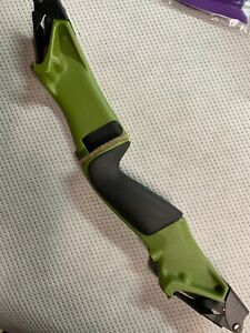 Bear Archery Traditional Bow - Adult Mag Riser-Moss Green New for 2021