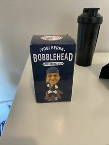NEW YogiBerra NY Yankees Bobblehead 2013 Limited Collectible Series #3 NIB 3