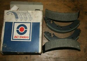 Set of Brake Shoes for 1970's Ford,  Hillman, Sunbeam vehicles  (see photos)