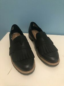 TOMS Brand Leather Black Oxford Loafers Slip On Fringed Shoes Womens Size 8.5