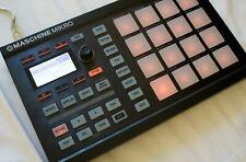 Native Instruments Maschine Mikro MK1 drum machine, drum pad