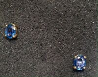 Vintage Yogo Sapphire Earrings,1.7 total carats, oval cut , set in 14 Kt gold