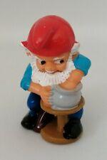 Figurine Ferrero Kinder dwarf - Nain de Jardin Gnome potier