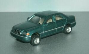 1/64 Scale 1994 Mercedes Benz C-Class W202 Sedan Diecast Car - Hongwell Green