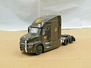 dcp/greenlight UPS Mack Anthem tractor new no box 1/64.,.