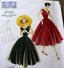 1950s VOGUE VINTAGE MODEL DRESS SEWING PATTERN 6-8-10-12 UC