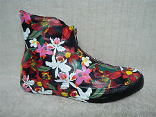 8432f94f9a23 CONVERSE - 554864C - CTAS Shroud Classic Hi - Women s Shoes Sneakers - Size  7