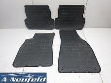 Audi A4 8E B7 Fußmatten Gummimatten Satz (59)